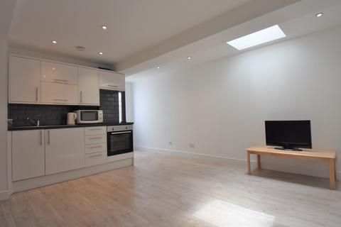 1 bedroom flat to rent - Bannockburn Road London SE18
