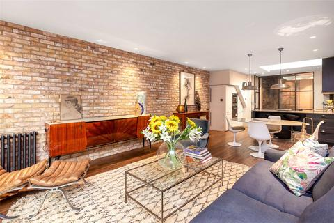 3 bedroom semi-detached house for sale - Archway Road, London, N6
