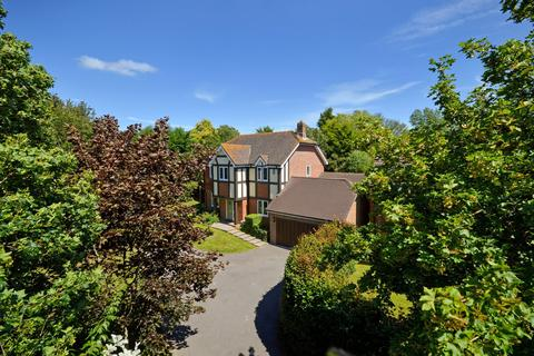 5 bedroom detached house for sale - Kennington, TN24