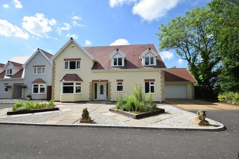 4 bedroom detached house for sale - 4 Greenfields Lane, Heol-Y-Cyw, Bridgend, Bridgend County Borough, CF35 6GB