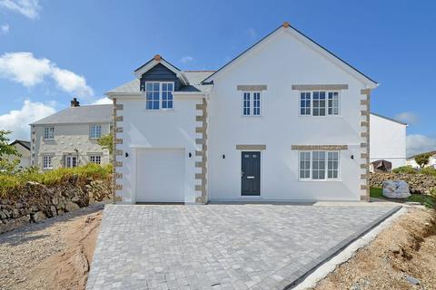 4 bedroom detached house for sale - Church Way, Madron