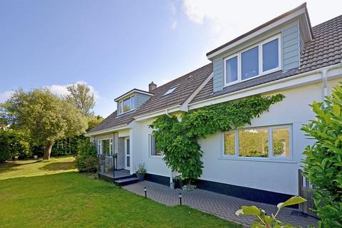 5 bedroom detached house for sale - Playing Place, Truro