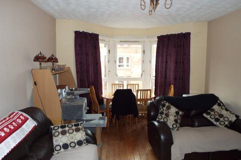 3 bedroom flat for sale - Earl Street, Scotstoun