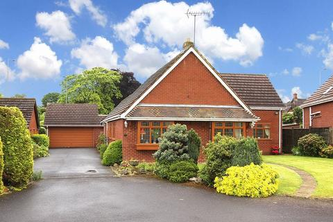 3 bedroom detached bungalow for sale - TETTENHALL, Wergs Hall Road