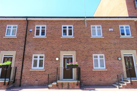 3 bedroom terraced house for sale - Rumbush Lane, Dickens Heath, Shirley, Solihull, B90