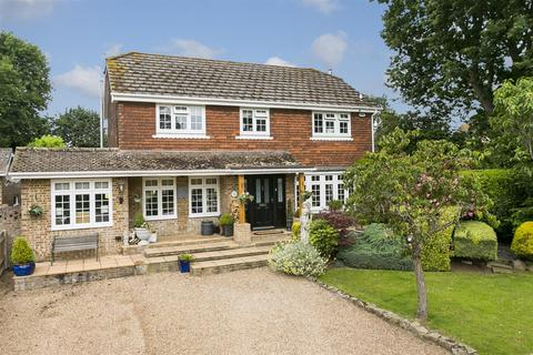 4 bedroom detached house for sale - Leybourne