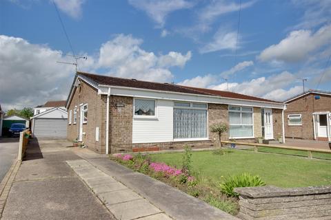 2 bedroom semi-detached bungalow for sale - St. Lawrence Avenue, Cottingham
