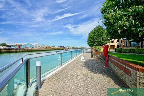 2 bedroom apartment for sale - Emerald Quay, Shoreham-By-Sea