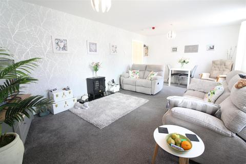 2 bedroom apartment for sale - Chanterlands Avenue, Hull