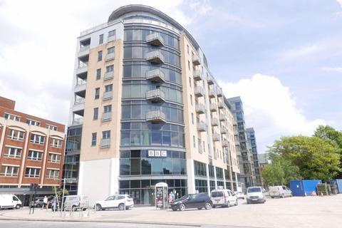 2 bedroom flat to rent - 27 Queens Court, Dock Street, Hull, HU1 3DL
