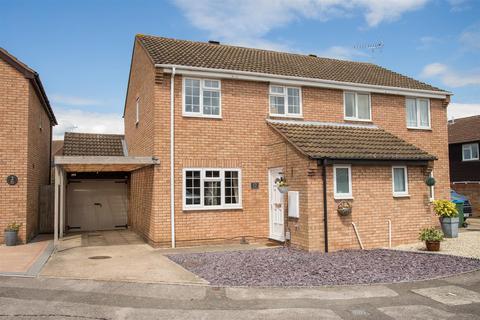 4 bedroom semi-detached house for sale - Hemingway Road, Aylesbury