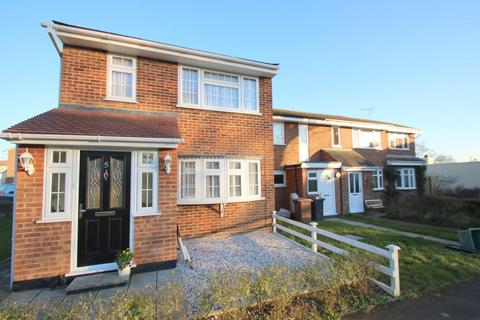 3 bedroom end of terrace house to rent - Bohun Close Great Leighs