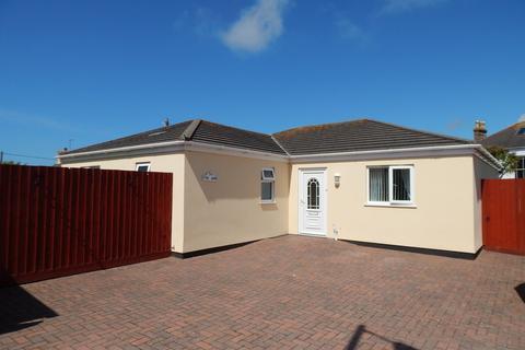 3 bedroom detached bungalow for sale - Little Lane, TR27