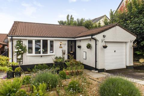 2 bedroom detached bungalow for sale - Penwithick, St Austell
