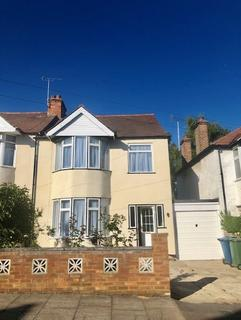 3 bedroom semi-detached house to rent - Farmstead Road, Harrow, Middlesex, HA3