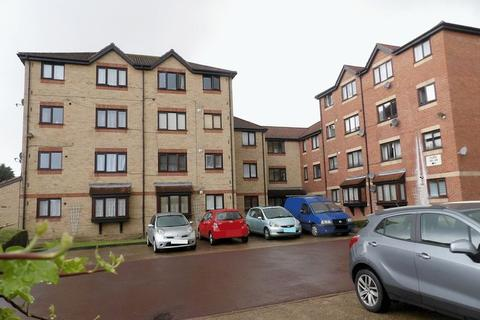 1 bedroom flat to rent - Magpie Close, Enfield