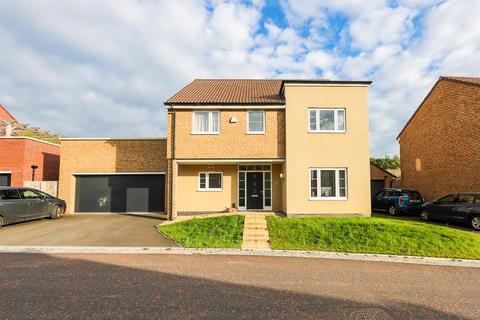 4 bedroom house for sale - Birdlip Road, Cheltenham