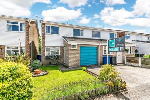 3 bedroom semi-detached house for sale - Landseer Avenue, Warrington