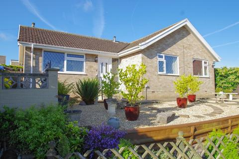 3 bedroom detached bungalow for sale - West Street, Godshill