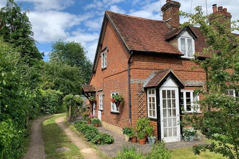 2 bedroom cottage for sale - Ford Cottages, Kennylands Road, Sonning Common