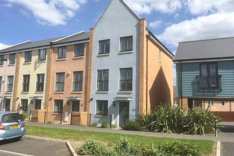 4 bedroom semi-detached house to rent - 19 Swithins Way, Patchway, Bristol BS34