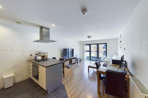 1 bedroom flat to rent - St. Chloes House, 17 Ordell Road, Bow, E3