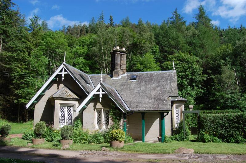 3 Bedrooms Detached House for sale in The Angels, South Lodge, Crookston, Heriot, Scottish Borders