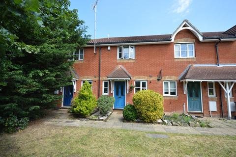 2 bedroom terraced house for sale - Campion Close, Rush Green, Romford, RM7