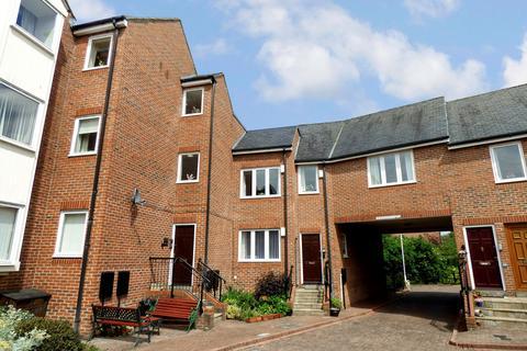 2 bedroom flat for sale - Wellway Court, Morpeth, Northumberland, NE61 1BW