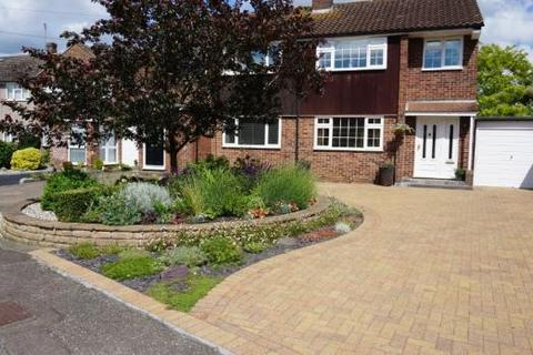 3 bedroom semi-detached house for sale - Sycamore Way, Chelmsford CM2
