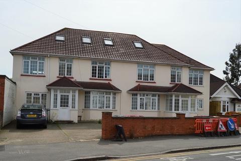 Studio to rent - Ragstone Road, Slough, Berkshire. SL1 2PU