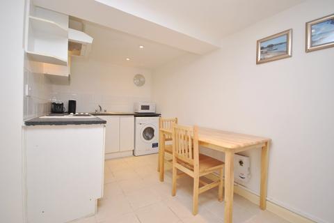 Studio to rent - Milkwood Road Herne Hill SE24