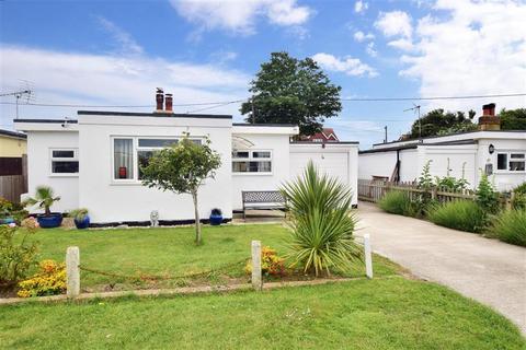 1 bedroom detached bungalow for sale - Links Crescent, St Marys Bay, Kent