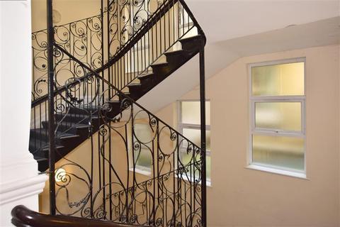2 bedroom flat for sale - New Street, Dover, Kent