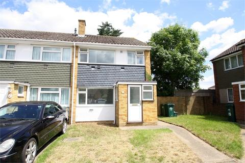 3 bedroom end of terrace house for sale - Mountsfield Close, STANWELL MOOR, Surrey