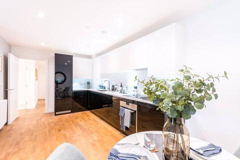 2 bedroom flat for sale - Terry Spinks Place, London