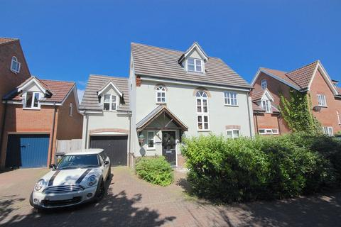 4 bedroom detached house for sale - Farriers Way, Great Notley, Braintree, CM77