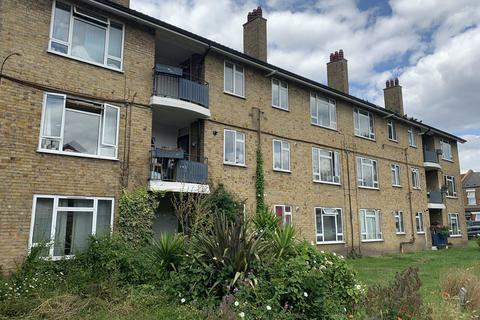 1 bedroom ground floor flat for sale - Oldfield House Devonshire Road London