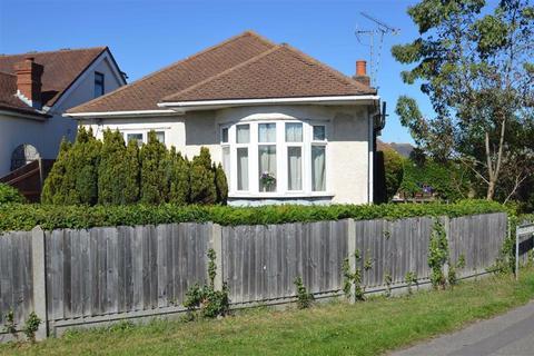 2 bedroom detached bungalow for sale - Ashingdon Road, Rochford, Essex