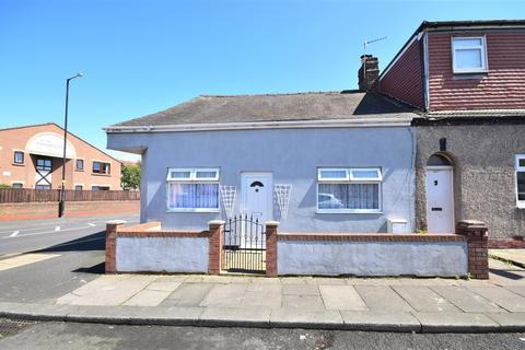 3 bedroom cottage for sale - Tower Street West, Hendon, Sunderland