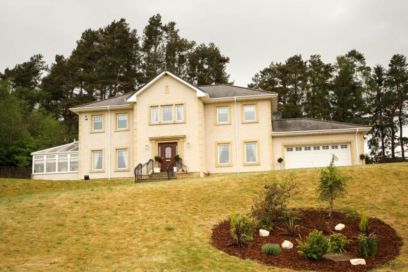 4 Bedrooms Detached House for sale in Carmaben Brae, Dolphinton, West Linton, Peeblesshire