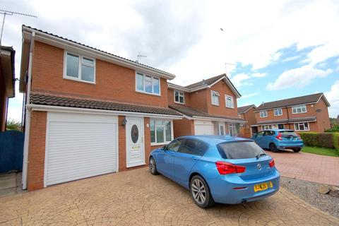 3 bedroom detached house for sale - Farmleigh Drive, Crewe