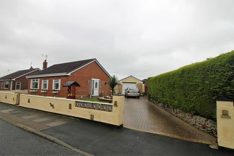 2 bedroom detached bungalow for sale - South Road, Norton