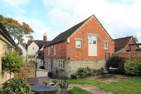 3 bedroom end of terrace house for sale - The Causeway, Chippenham