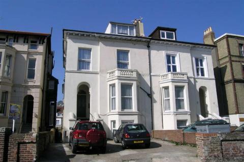 Studio to rent - Waverley Road Southsea Hants