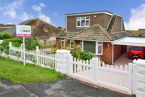 4 bedroom detached bungalow for sale - Rodmell Avenue, Saltdean, Brighton, East Sussex