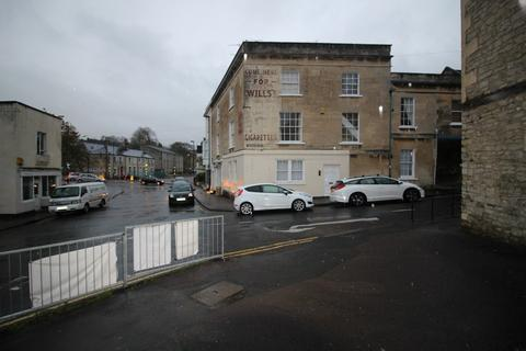 4 bedroom maisonette to rent - Trafalgar Road, Bath