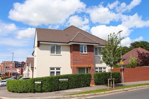 3 bedroom semi-detached house for sale - Claudius Road, Keynsham, Bristol