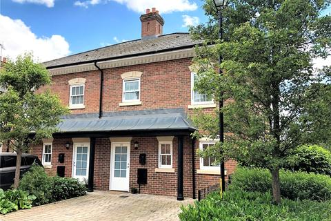 4 bedroom end of terrace house to rent - Quoitings Drive, Marlow, Buckinghamshire, SL7
