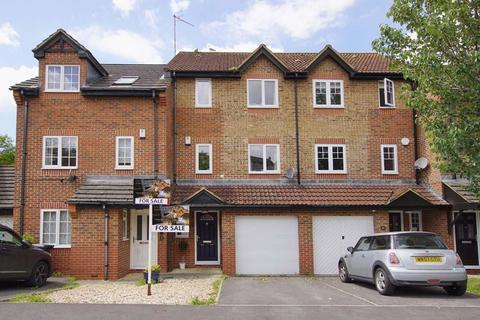 3 bedroom terraced house for sale - St. Georges Avenue, Bristol, BS5 8DD